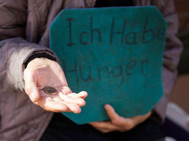 Điều kiện để xét hộ cận nghèo hộ nghèo theo quy định của pháp luật